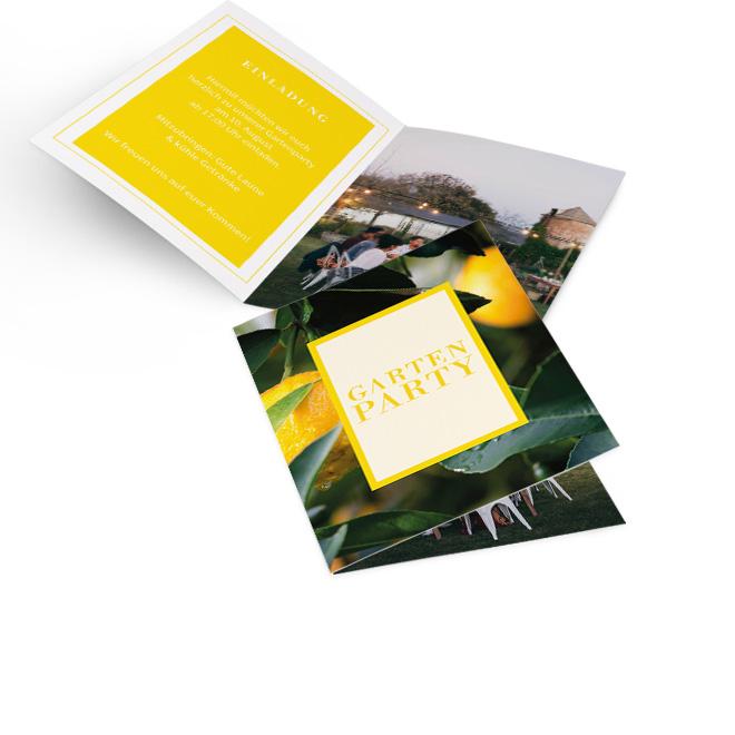 Abbildung einer fruchtigen Einladung Party. In der Innenseite links ist Platz fuer Text und rechts fuer ein Foto. Auf der Rueckseite ist ein kleines gelbes Notizfeld.