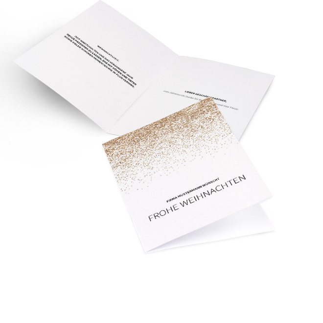 Abbildung einer weißen Karte fuer geschaeftliche Weihnachtsgruesse im Hochformat mit Glitzer in Gold. Die Innenseiten bieten Platz fuer persoenliche Worte.