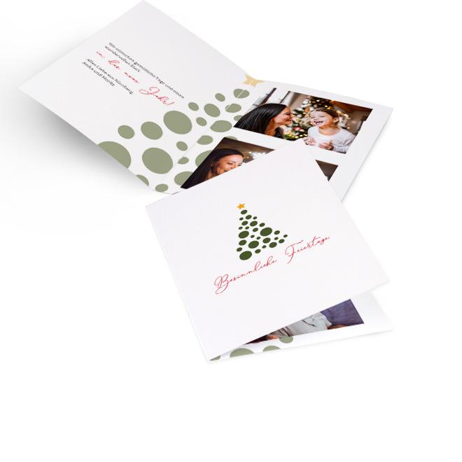 Weisse klassische Weihnachtskarten, Hoch mit Weihnachtsbaum und Schriftzug Besinnliche Feiertage. Die Innenseiten mit Platz fuer Text links und 2 Fotos rechts.